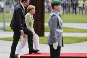 Vucic_Merkel_BETAAP.jpg