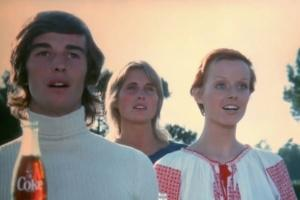 VIDEO: Koka Kola remasterizovala čuvenu reklamu snimljenu pre 45 godina
