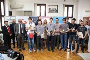 Pobednici Srpske matematičke olimpijade dobili statue Energije znanja