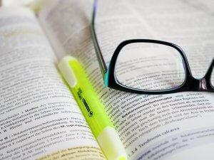 naočare, knjiga_pixabay