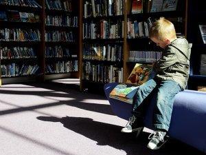 dete, čitanje, knjiga_pixabay