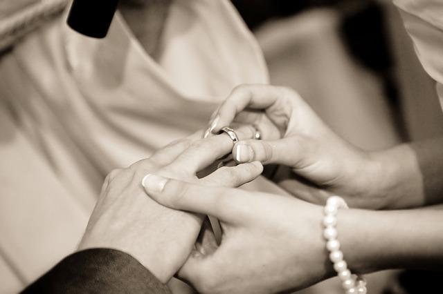 venčanje, brak, burma_pixabay