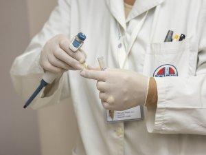 doktor-laboratorija-uzorci-PX