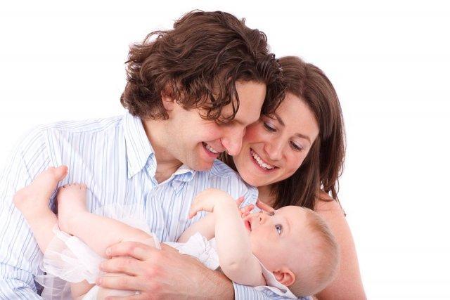 roditelji-brak-beba-dete-PX