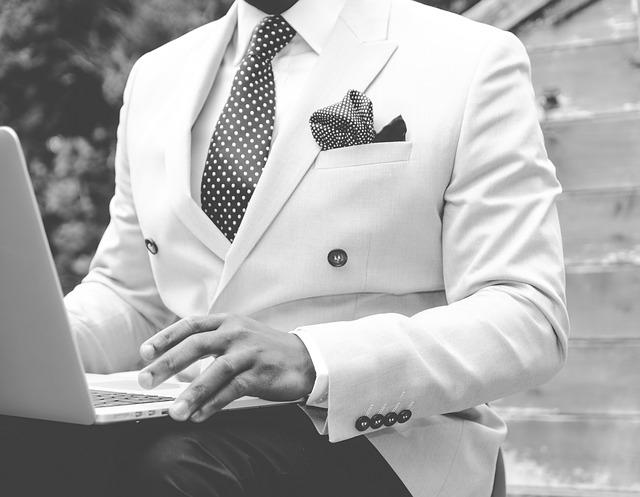 odelo, muškarac, elegancija_pixabay