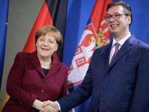 Merkel_Vucic_Beta_AP_Markus_Schreiber