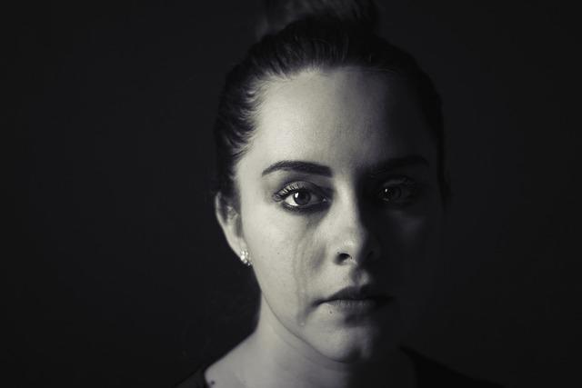 devojka, suze, plakanje_pixabay