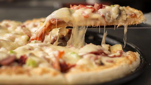 pizza-pica-secenje-parce-PX