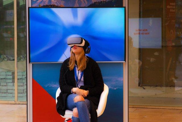 vr-okulus-rirt-virtuelna-realnost-PX