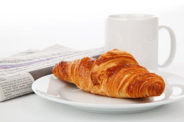 jutro-kafa-novine-kroasan-PX