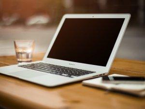 laptop-poruka-pix