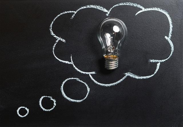 sijalica, misli, razmišljanje_pixabay