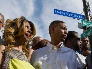 Areta_frenklin_BetaDavid_Guralnick_Detroit_News_via_AP