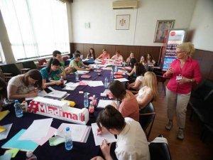 Edukativne-radionice-u-Smederevskoj-Palanci-Coca-Cola-podrska-mladima-(9)