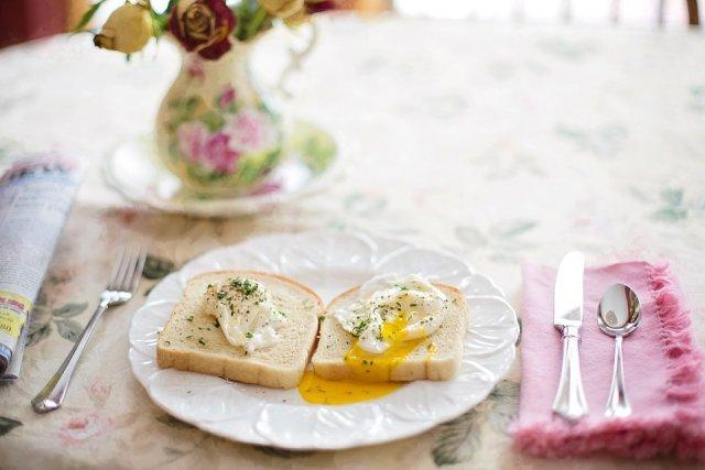 dorucak-jaja-tost-tanjir-jelo-PX