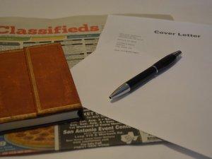 pisanje rezimea, cv, olovka, notes, novine_pixabay
