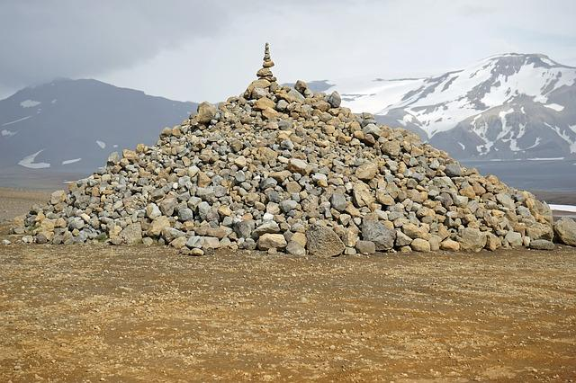 gomila, kamenje, planine_pixabay
