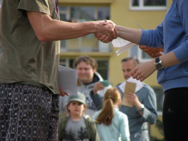 rukovanje-ruke-govor-tela-PX