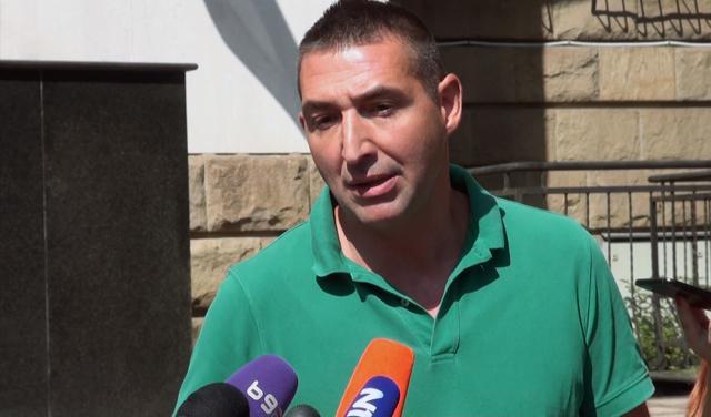 Oliver Dulić ispred suda (foto: screenshot)