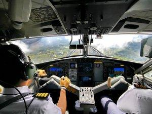 piloti_avion_pix