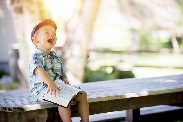smejanje_dete_pix