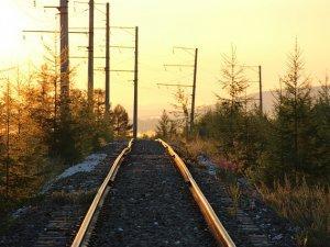 pruga-zeleznica-pix